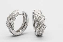 18kt White Gold Diamond Earrings