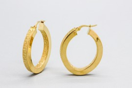18kt Yellow Gold Oval Hoop Earrings