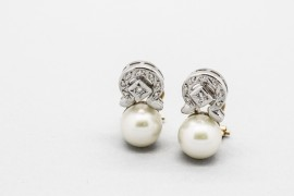 18Kt White & Yellow Gold Pearl Earrings with Gemstones