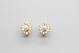 18Kt Yellow Gold Pearl Flower Earrings
