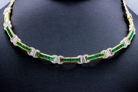 18Kt Gold Necklace with Diamonds and Emeralds