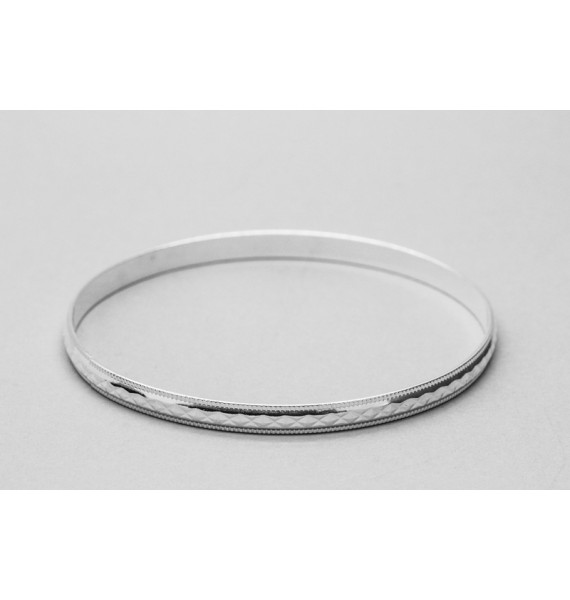 Sterling Silver Bangle with a Rhombus Design