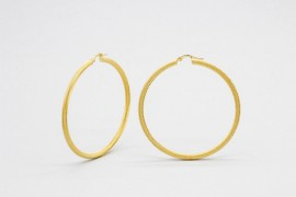 18Kt Yellow Gold Hoop Earrings with a Florentine Finish