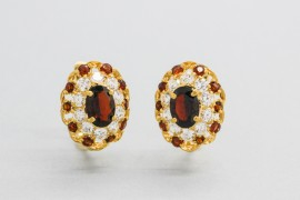 18Kt Yellow Gold Earrings with Garnet and Cubic Zirconia