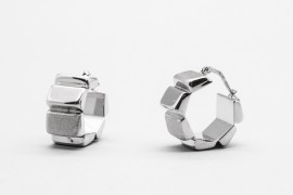 18Kt White Gold Hoop Earrings with a Modern Design