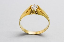 18Kt Men's Yellow Gold Solitaire Ring with Cubic Zirconia