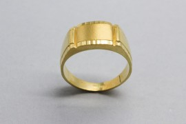 Men's 18Kt Yellow Gold Ring with a Minimalist Design