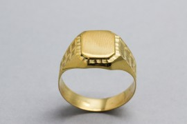 18Kt Yellow Gold Seal Ring for Men
