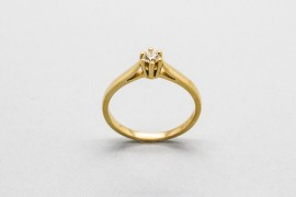 18Kt Yellow Gold Solitaire with a Diamond Centre Gemstone