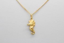 18Kt Yellow Gold Seahorse Pendant and Charm