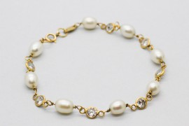 18Kt Yellow Gold Bracelet with Pearls and Cubic Zirconia