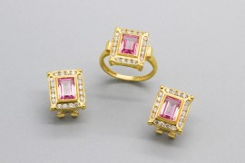 18Kt Gold Set with Pink and White Cubic Zirconia Gemstones