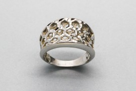 18kt White Gold Ring