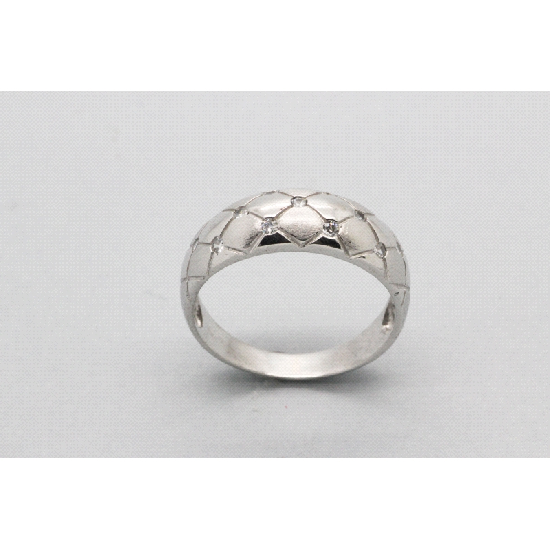 18kt white gold ring with cubic zirconia