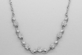 18kt White Gold & Zircon Necklace