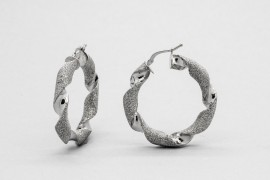 18kt White Gold Twist Hoop Earrings